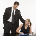 <b>Jak Dotykać Kobietę? Mit O&nbsp;Eskalacji Dotyku - Dotykać Czy Nie? Ostateczna Odpowiedź</b>