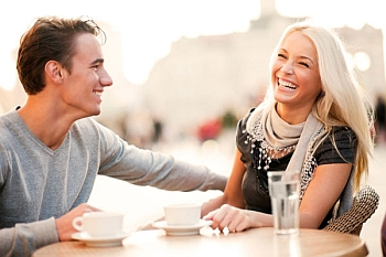jak być bardziej rozmownym ijak być dobrym rozmówcą