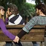 <b> Dziewczyna Mówi, Że Ma Chłopaka - Czy Podrywanie iOdbijanie Zajętej Dziewczyny Ma Sens?</b>
